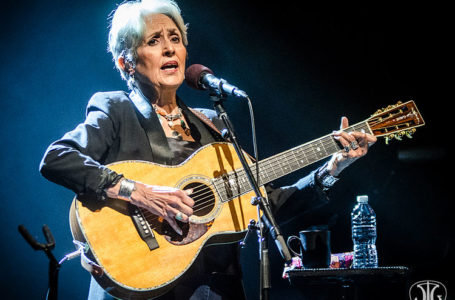Rolling Stone • Interview de Joan Baez